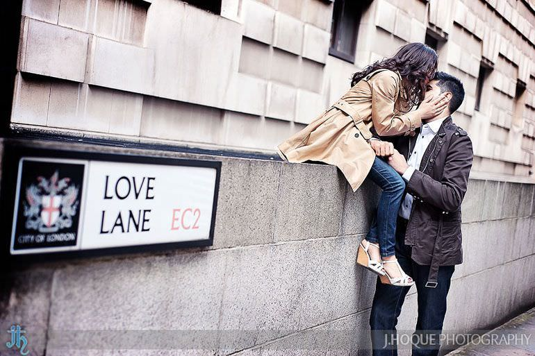 Love Lane EC2 | London Wedding Photography | Pre Wedding in the City | 0022