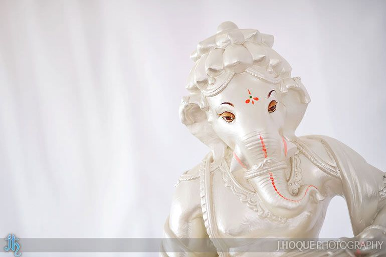 White Ganesh Statue | Hindu Wedding Photography at Alrewas Hayes | Staffordshire Wedding Photographer | 0040