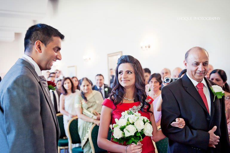 Moor Park Wedding Reception | Documentary Indian Wedding Photographer Hertfordshire | R-0047
