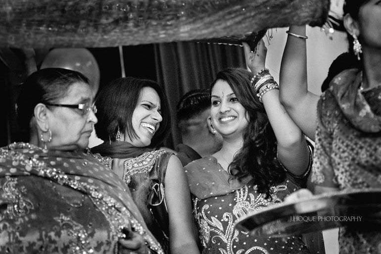 Sikh Wedding Photography Kent | Maiyan Ceremony | 037-BW