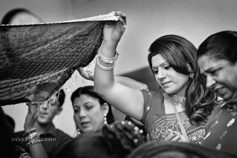 Sikh Wedding Photography Kent | Maiyan Ceremony | 047-BW
