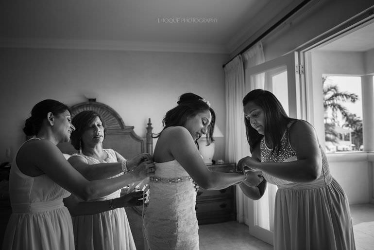 Bride getting ready in Cove Suites Blue Waters Resort Antigua | CIV-0183