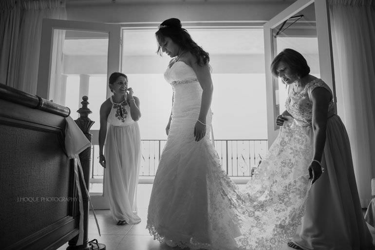 Bride getting ready in Cove Suites Blue Waters Resort Antigua | CIV-0235