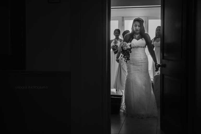 Bride getting ready in Cove Suites Blue Waters Resort Antigua | CIV-0291