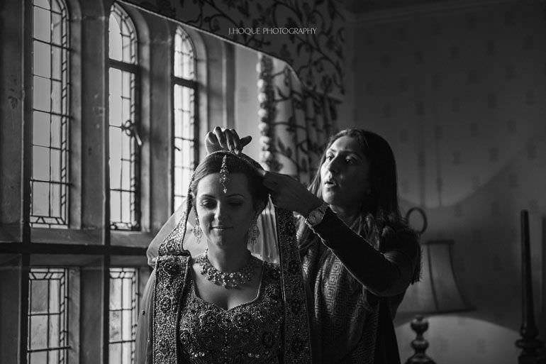 Bride getting ready | Hever Castle Muslim Wedding | Kent Wedding Photographer | 0051-BW