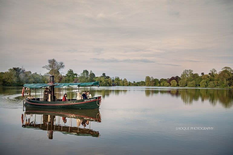 Guests on boat trip at Hever Lake | Hever Castle Asian Wedding | Kent Wedding Photographer | 0529