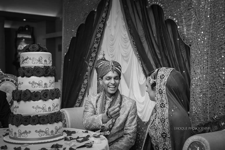 Piece of cake | Asian Wedding Photographer Kent | Hever Castle | 0613-BW