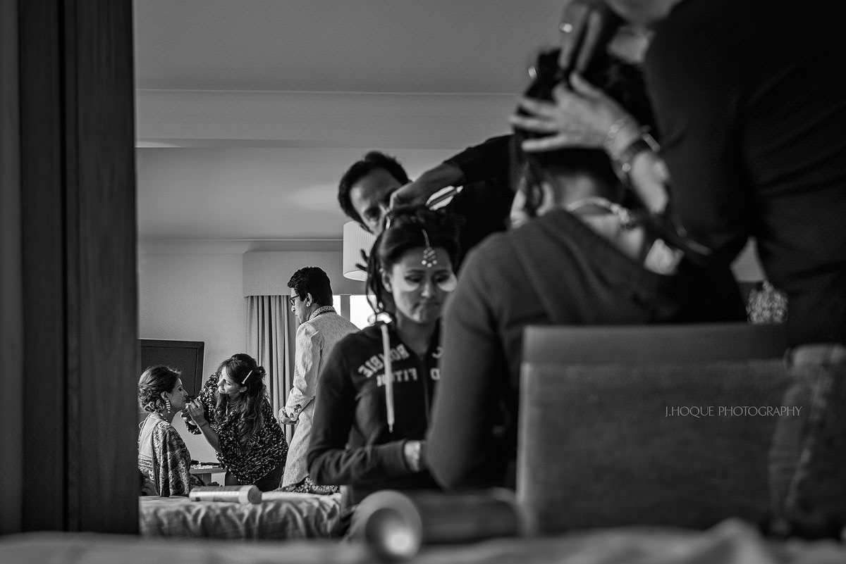 Bride and mum getting ready | Indian wedding at Four Pillars Hotel | Gloucestershire Wedding Photographer