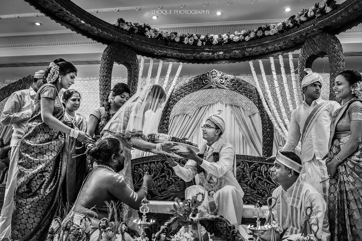 Groom hands over wedding saree to bride | Shendish Manor Sri Lankan Tamil Wedding Ceremony | BW-27