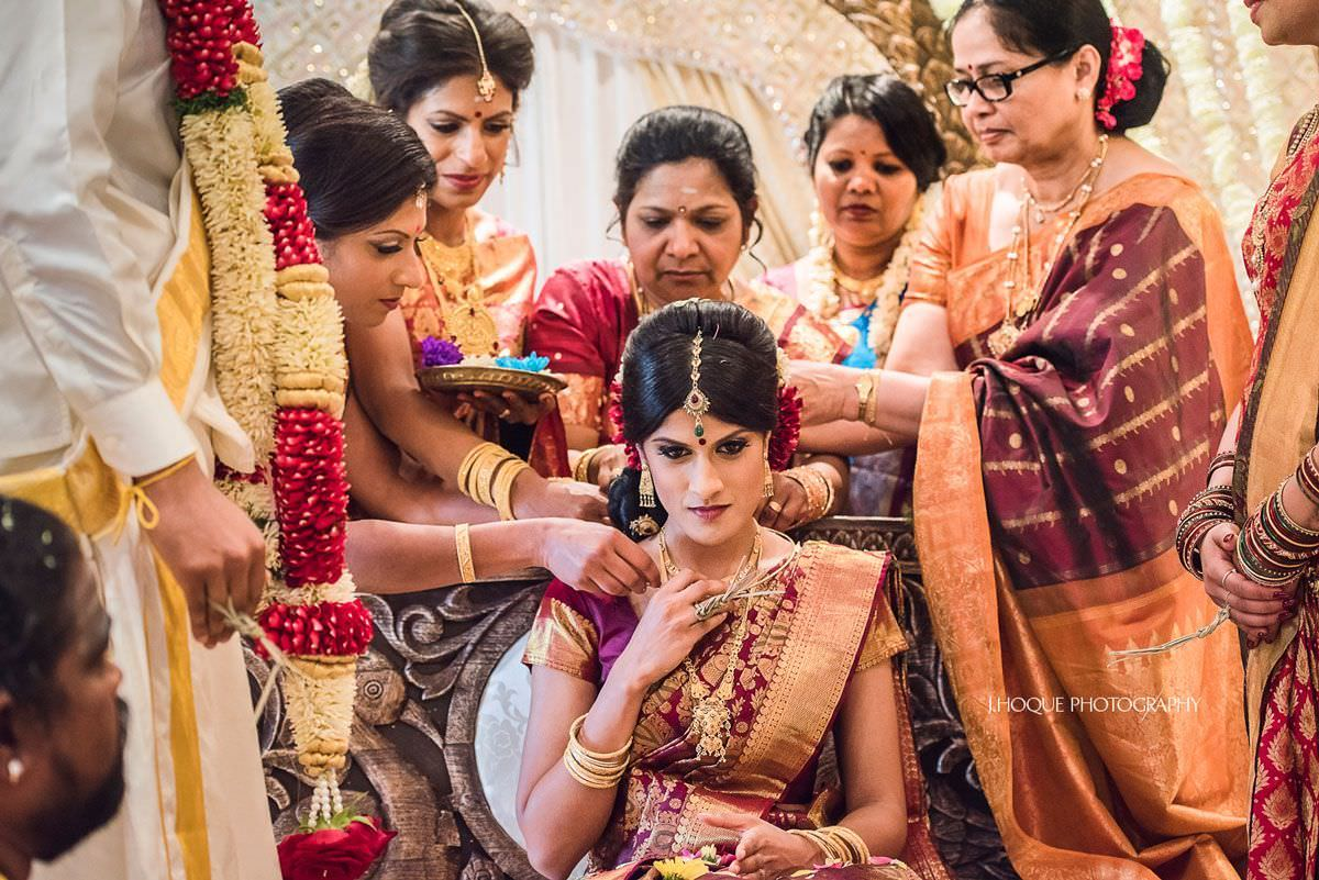 Tying of the Thali | Hindu Wedding at Shendish Manor | Tamil Wedding Photography Hertfordshire | 37