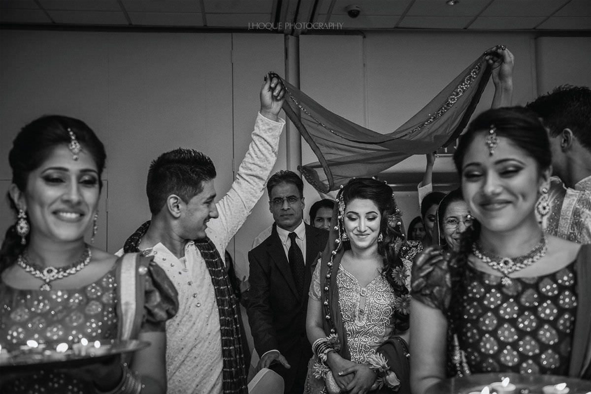 Brides arrival at Mehndi ceremony | Muslim Wedding in Luton | Bedfordshire Wedding Photographer | 04